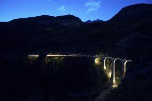 BE-DP-LK3-Landwasserviadukt_nachts-Corrado_Claudia.jpg