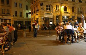 BE-FF-LK4-Nachtleben_in_Paris-Zurbruegg_Urs.jpg