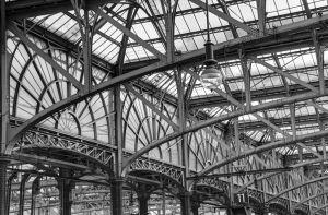 LZ-SF-LK2-Bahnhof_Glasgow-Reiser_Erika.jpg