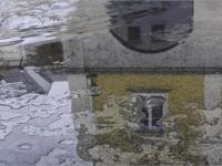 DI-P_1701_319607-Spiegelung_im_ Brunnen-Inderbitzin_Heinrich-LZ