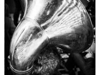 SW-P_1801_343201-Die_Sousaphone-Spielerin-Voegtle_Peter-BS