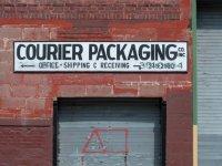 DI-P_1901_323601-Courier_Packaging-Paulus_Alexander-BS
